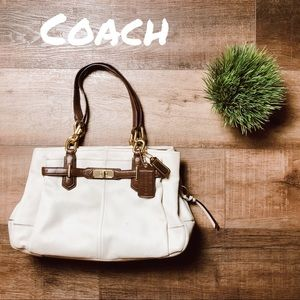 Coach Bag in Cream and Espresso! 🌟🌟